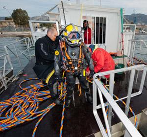 Un ponton flottant pour travailler sur l 39 eau belrive for Plongeur restauration