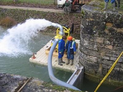 pontons-flottants-travaux-eau-maintenance-15.jpg