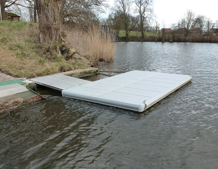 An Easyfloat Floating Dock For Bergedorf S Rowing Club